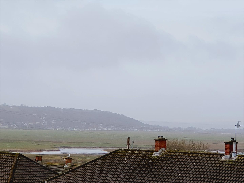Brynllwchwr Road, Loughor, Swansea, SA4 6SG
